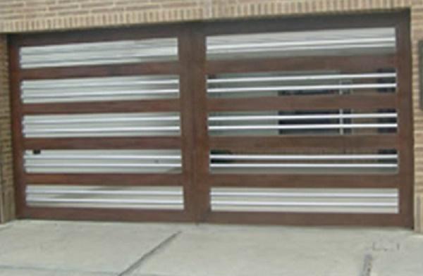 Puertas de garaje en guadalajara for Modelos de puertas de garaje