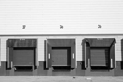 Puertas de naves industriales