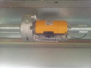Motor de cierre metálico